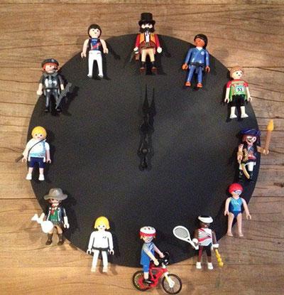 formas de reutilizar juguetes reloj