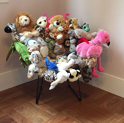 formas de reutilizar juguetes silla con peluches
